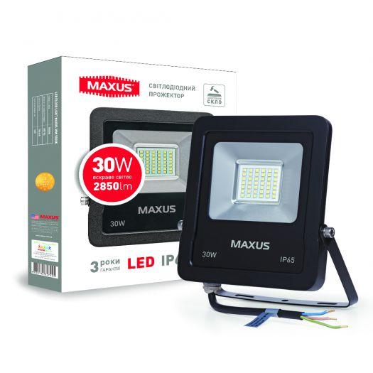 Прожектор Maxus 30W 5000K (зручний монтаж, гартоване скло, IP65)